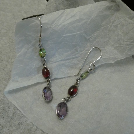 gemstone-colours-green-red-lilac-silver-earrings-10412.jpg