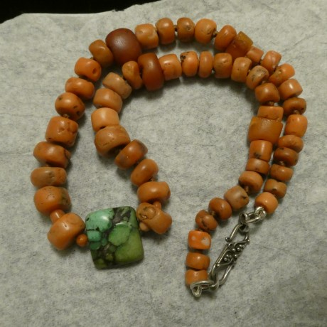 old-green-tibetan-turquoise-amber-old-corals-nex-10162.jpg