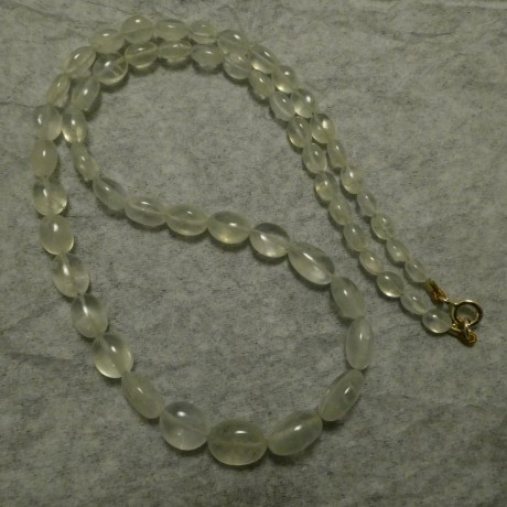 pearly-green-prehnite-necklace-9ctgold-c lasp-10201.jpg