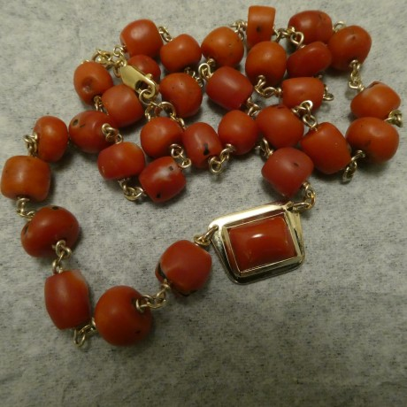 red-coral-handworked-9ctgold-necklace-10244.jpg