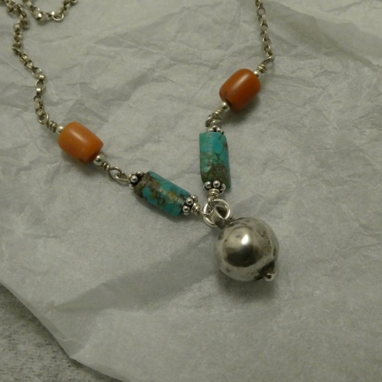 simple-silver-necklet-turq-corals-old-silver-10281.jpg