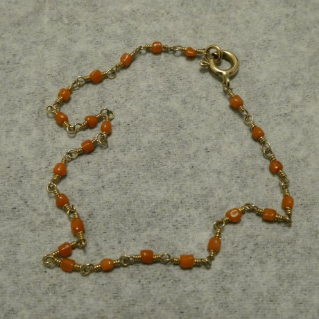 tiny-coral-hcrafted-9ctgold-bracelet-10247.jpg