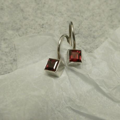 superfine-square-garnets-silver-earrings-10648.jpg