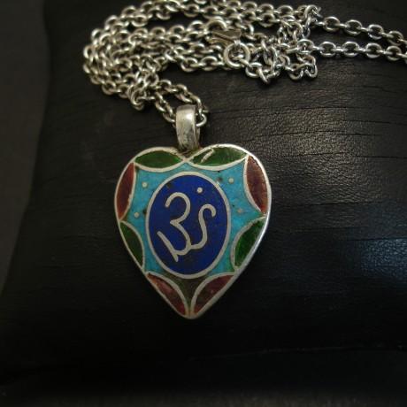 enamelled-om-silver-pendant-old-afghani-03654.jpg